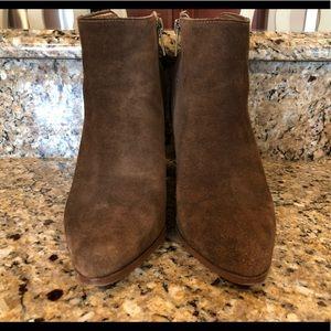 Ivanka trump boots